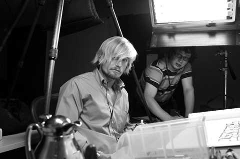 Ben Fellowes giving art direction to Jamie Johnson