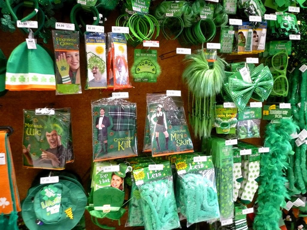 St. Patricks Day party supplies