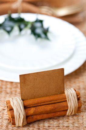 Cinnamon log Thanksgiving table card holder